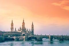 Catedral de Zaragoza imagenes de archivo