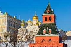 Catedral del anuncio de Moscú el Kremlin en el día de invierno Imagenes de archivo