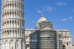 Catedral del Duomo de Pisa durante la reconstrucción Foto de archivo