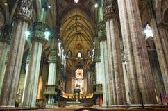 Catedral del Duomo, opinión de Milan.Inside Imagen de archivo