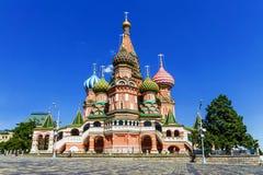 Catedral del ` s de la albahaca del St en Moscú foto de archivo libre de regalías
