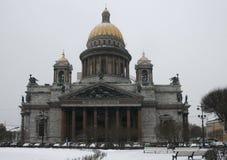 Catedral del St Isaac en la nieve Imágenes de archivo libres de regalías