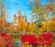 Catedral do ` s da manjericão do St no quadrado vermelho em Moscou imagem de stock