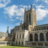 A catedral do St Edmunds do enterro em um dia ensolarado no outono Fotografia de Stock Royalty Free
