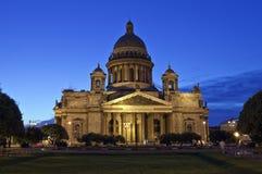 Catedral do St. Isaac em St Petersburg imagem de stock