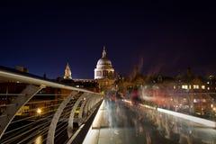 Catedral do St. Paul da ponte do milênio Fotografia de Stock