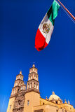 Catedral Dolores Hidalalgo Mexico de Parroquia da bandeira mexicana Imagens de Stock
