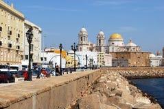 Catedral e margem de Cadiz Fotografia de Stock