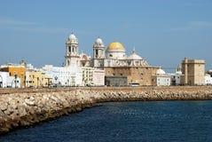 Catedral e margem de Cadiz Foto de Stock