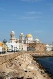 Catedral e margem de Cadiz Imagem de Stock