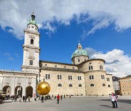 Catedral e monumento de Salzburg a Paul Fuerst Salzburg, Áustria foto de stock