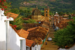 Catedral e telhados de casas coloniais, Barichara imagens de stock royalty free