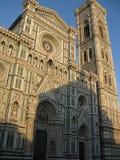 Catedral em Florença no sol que brilha imagem de stock