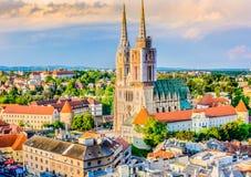 Catedral em Zagreb, Croatia fotografia de stock