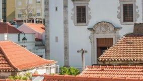 Catedral en Odivelas, Portugal Opinión hermosa del día Distrito de Lisboa metrajes