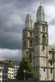 Catedral en una tormenta foto de archivo