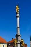 Catedral en Zagreb, Croatia imagenes de archivo
