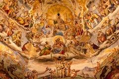 Catedral Florença do domo do fresco de Jesus Vasari imagens de stock royalty free