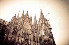 Catedral gótico na água de Colônia, Alemanha Fotos de Stock Royalty Free