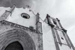 Catedral hermosa de Silves Al lado del castillo famoso de Silves, región de Algarve de Portugal imagen de archivo