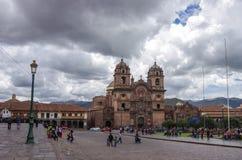 Catedral Iglesia de la Compania德赫苏斯en Plaza在古芝的de阿玛斯 图库摄影