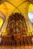 Catedral interior de Sevilla de la fachada Fotos de archivo libres de regalías