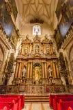 Catedral interior de Sevilla de la fachada Fotografía de archivo