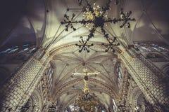 Catedral interior, estilo gótico, igreja espanhola Fotos de Stock