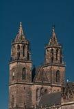 Catedral magnífica de Magdeburgo no rio Elbe, Alemanha Imagem de Stock Royalty Free