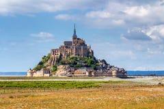 Catedral magnífica de Mont Saint Michel en la isla, Normandía, Fotos de archivo libres de regalías