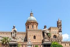 Catedral Maria Santissima Assuanta de Palermo en Sicilia imagenes de archivo