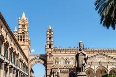 Catedral Maria Santissima Assuanta de Palermo en Sicilia imagen de archivo