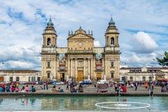 Catedral metropolitana da Cidade da Guatemala no quadrado a Cidade da Guatemala de Plaza de la Constitucion Constituição, Guatema fotografia de stock royalty free