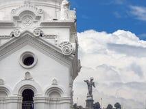 Catedral metropolitana de la opinión del detalle de Quito en Ecuador fotos de archivo