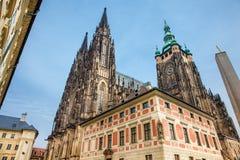 Catedral metropolitana de los santos Vitus en Praga fotografía de archivo libre de regalías
