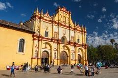 Catedral na cidade velha foto de stock