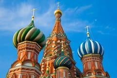 Catedral na manhã, Moscou do ` s da manjericão do St, Rússia imagem de stock