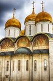 Catedral no Kremlin, Moscou da suposição, Rússia Imagens de Stock