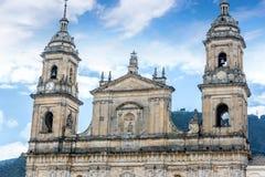 Catedral no quadrado de Bolivar em Bogotá, Colômbia fotografia de stock
