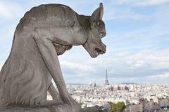 Catedral Notre Dame de la estatua del Gargoyle Imagen de archivo