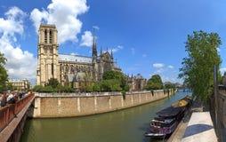 Catedral Notre Dame en París, Francia. Foto de archivo