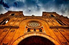 Catedral nova que olha acima Imagem de Stock Royalty Free