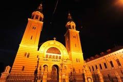 Catedral ortodoxa de Sibiu en la noche Imagenes de archivo