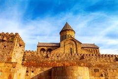Catedral ortodoxa de Svetitskhoveli en Mtskheta, Georgia foto de archivo libre de regalías