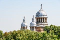 Catedral ortodoxa San Jorge (Sfantul Gheorghe) en la ciudad céntrica de Tecuci Fotografía de archivo libre de regalías