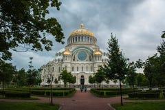 Catedral ortodoxo de São Nicolau em Kronshtadt Petersburgo, Rússia Fotos de Stock
