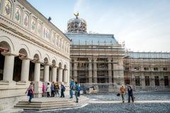 Catedral patriarcal ortodoxa rumana en Bucarest imagen de archivo libre de regalías