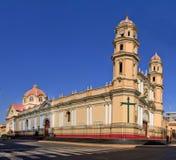 Catedral principal en la ciudad de Piura, en Perú Imagenes de archivo