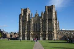 Catedral Somerset de Wells en tiempo hermoso de la primavera Fotos de archivo
