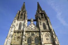 A catedral St Peter de Regensburg em Regensburg fotos de stock